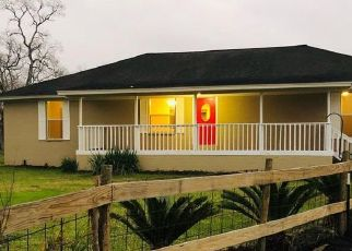 Pre Foreclosure in Alvin 77511 COUNTY ROAD 215A - Property ID: 1748730920