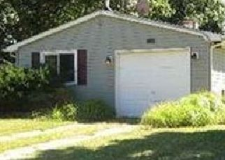 Pre Foreclosure in Shirley 11967 CHANEL DR E - Property ID: 1749478980