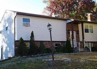 Pre Foreclosure in Medford 11763 CHESTNUT AVE - Property ID: 1749529786