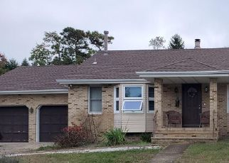 Pre Foreclosure in Toms River 08753 WAKE FOREST DR - Property ID: 1749604673