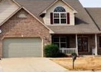 Pre Foreclosure in Maryville 62062 OAK HILL DR - Property ID: 1749897224