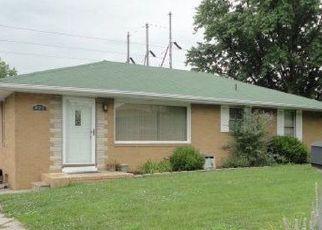 Pre Foreclosure in East Alton 62024 CALIFORNIA AVE - Property ID: 1749899423