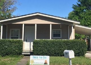 Pre Foreclosure in Jacksonville 32244 CLUB DUCLAY DR - Property ID: 1750007610