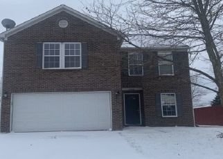 Pre Foreclosure in Indianapolis 46235 WHITE RABBIT DR - Property ID: 1750031248