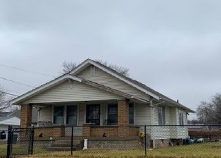 Pre Foreclosure in Indianapolis 46203 ALLEN AVE - Property ID: 1750034312