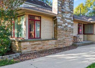 Pre Foreclosure in Chicago 60643 S HAMILTON AVE - Property ID: 1750117985