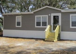 Pre Foreclosure in Yulee 32097 THERESA RD - Property ID: 1750484108