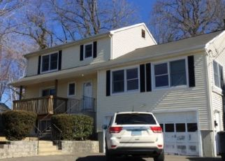 Pre Foreclosure in Bridgeport 06605 GILMAN ST - Property ID: 1751087652