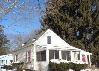 Pre Foreclosure in Clinton 06413 NOD RD - Property ID: 1751105605