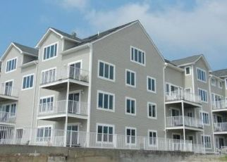 Pre Foreclosure in Milford 06460 NAUGATUCK AVE - Property ID: 1751109550