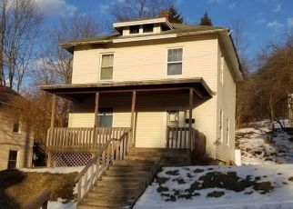 Pre Foreclosure in Johnsonburg 15845 2ND AVE - Property ID: 1751599647