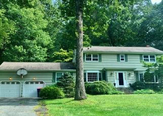 Pre Foreclosure in Trumbull 06611 FRESH MEADOW DR - Property ID: 1751695558