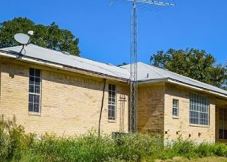 Pre Foreclosure in Waelder 78959 WOODCREEK DR - Property ID: 1751778329