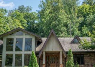 Pre Foreclosure in Bluff City 37618 WEAVER PIKE - Property ID: 1751960534