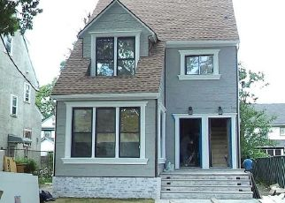 Pre Foreclosure in Saint Albans 11412 198TH ST - Property ID: 1752313985