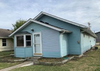 Pre Foreclosure in Whiteland 46184 PEARL ST - Property ID: 1752677944