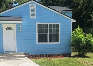 Pre Foreclosure in Jacksonville 32207 LILLY RD N - Property ID: 1752724802