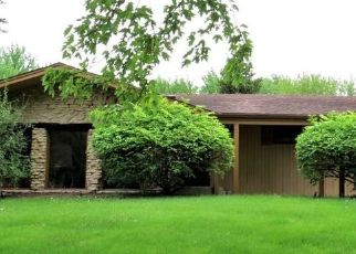 Pre Foreclosure in Mchenry 60050 N BAYCLIFF DR - Property ID: 1753207891