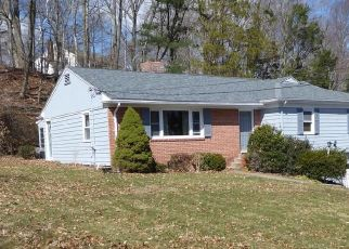 Pre Foreclosure in New Haven 06515 KNOLLWOOD DR - Property ID: 1753668628