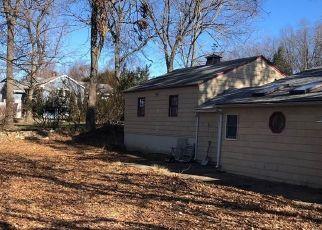 Pre Foreclosure in Naugatuck 06770 AUBURN ST - Property ID: 1753683524