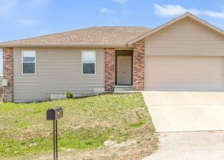 Pre Foreclosure in Saint Robert 65584 HAILEY LN - Property ID: 1753931861