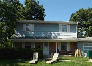 Pre Foreclosure in Waukegan 60087 WALL AVE - Property ID: 1754184564