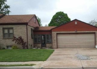 Pre Foreclosure in Sterling 61081 AVENUE F - Property ID: 1754551586