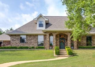 Pre Foreclosure in Weatherford 76087 WOODLAND HILLS LN - Property ID: 1754699621