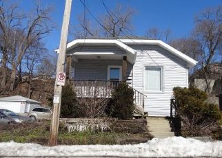 Pre Foreclosure in Racine 53404 DOMANIK DR - Property ID: 1754819627