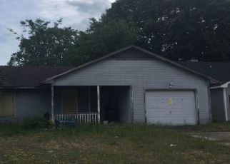Pre Foreclosure in Fayetteville 28314 SHAWCROSS LN - Property ID: 1755393816