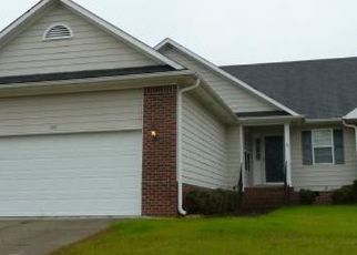 Pre Foreclosure in Raeford 28376 SOMERSET DR - Property ID: 1755396437