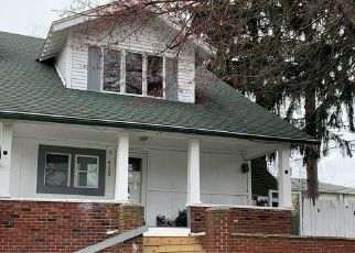 Pre Foreclosure in Toledo 43613 JACKMAN RD - Property ID: 1756702474