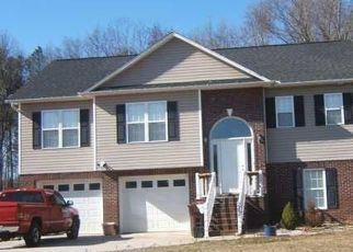 Pre Foreclosure in Mocksville 27028 SUMMIT DR - Property ID: 1756844375