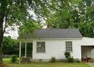 Pre Foreclosure in Hickory 28601 4TH AVE NW - Property ID: 1756920137