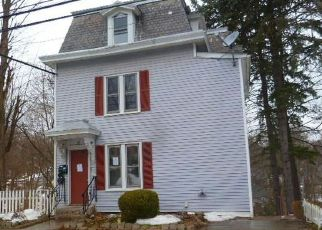 Pre Foreclosure in Meriden 06451 NEW HANOVER AVE - Property ID: 1757162788