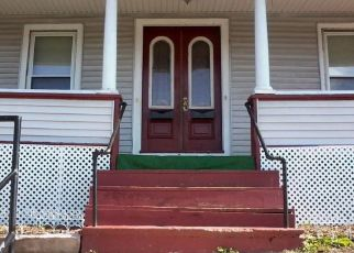 Pre Foreclosure in Meriden 06450 CROWN ST - Property ID: 1757167156