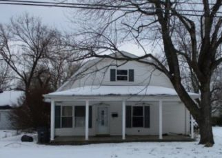 Pre Foreclosure in Evansville 47714 FRISSE AVE - Property ID: 1757608197