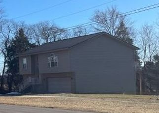 Pre Foreclosure in Radcliff 40160 SCARLET AVE - Property ID: 1757868811