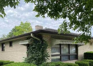 Pre Foreclosure in Oglesby 61348 CLARK ST - Property ID: 1757948957
