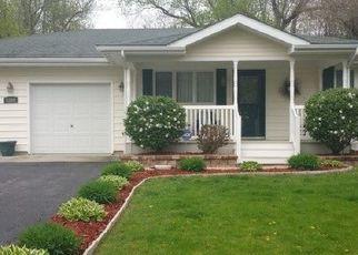 Pre Foreclosure in Sandwich 60548 REVA LN - Property ID: 1757949381