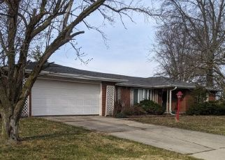 Pre Foreclosure in Hartford City 47348 BUCKINGHAM DR - Property ID: 1758440801