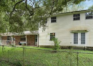 Pre Foreclosure in Brooksville 34601 URSULA AVE - Property ID: 1758701380