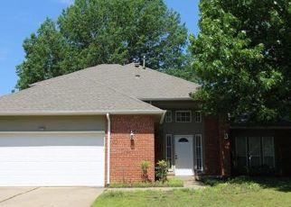 Pre Foreclosure in Broken Arrow 74011 S CHESTNUT AVE - Property ID: 1759472213