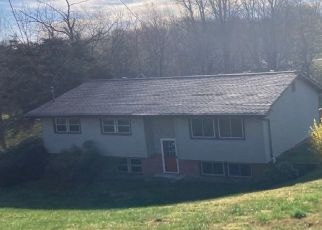 Pre Foreclosure in Johnson City 37615 BAUCHMAN DR - Property ID: 1759509899