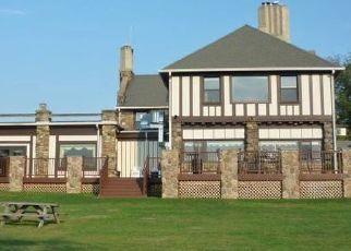 Pre Foreclosure in Rockaway 07866 W LAKE SHORE DR - Property ID: 1759853705