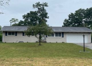 Pre Foreclosure in Gary 46408 W 49TH PL - Property ID: 1760301303