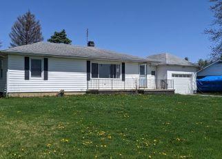Pre Foreclosure in Laotto 46763 E 450 S - Property ID: 1760412552