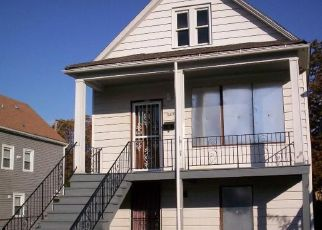Pre Foreclosure in Chicago 60617 S COLFAX AVE - Property ID: 1760477818