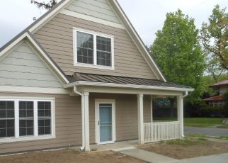 Pre Foreclosure in South Bend 46616 WOODWARD AVE - Property ID: 1761126898
