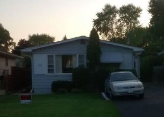 Pre Foreclosure in Round Lake 60073 KENMORE AVE - Property ID: 1761251268
